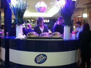 Enquanto a música rolava, Club Social e bebidas eram distribuídos Foto: Lana Gillies