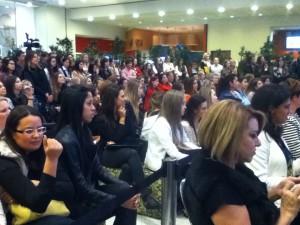 Cerca de 225 pessoas presentes no bate papo Foto: Lana Gillies
