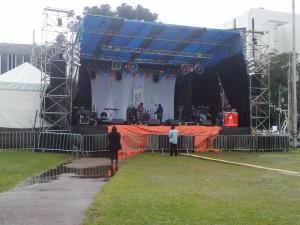 Por razões climáticas o evento atrasou, iniciando as 15h Foto: Giulie Hellen Oliveira de Carvalho