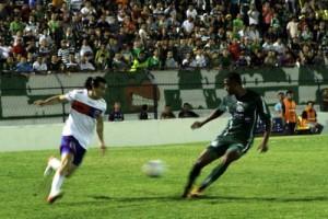 JJ Morales fez o quarto dele no campeonato  Crédito: Site oficial do Paraná Clube