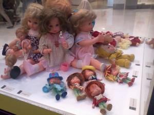 A idealizadora do museu começou colecionando bonecas em 1915 (Foto: Caroline Paulart)
