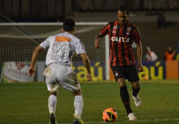 Furacão vence o Galo e segue firme no G4 (Foto: Gustavo Oliveira/ Site Oficial do Clube Atlético Paranaense)