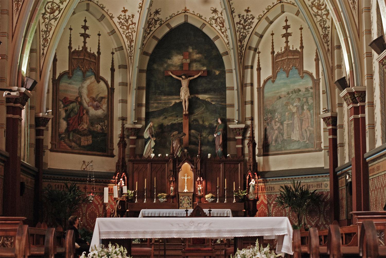 Altar da Igreja, com a imagem de Jesus