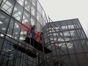 Os vitrais do Memorial serão as novas telas para a obra de arte de Devis (Foto: Gilberto Stori Junior)