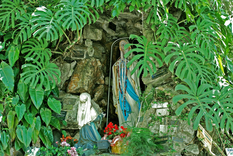 Imagem de Nossa Senhora, no velário