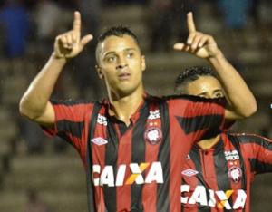 Dellatorre não marcava desde do dia 19 de setembro Foto: Site Oficial do Atlético Paranaense
