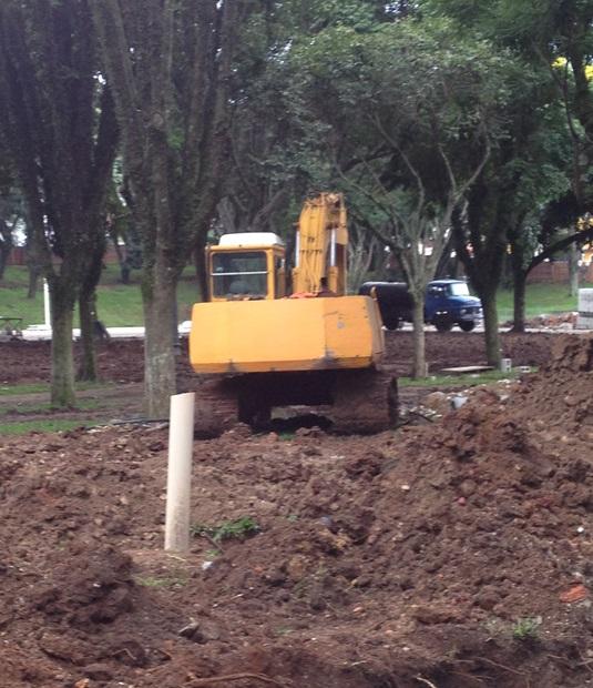 Primeira parte da revitalização da praça está sendo construída, custo de será de 2 milhões.