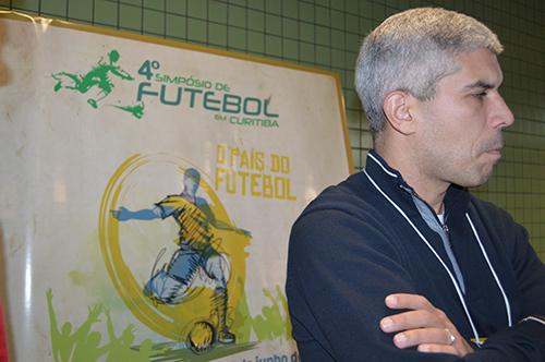 No Simpósio de Futebol, Ricardinho pode reencontrar amigos que fez ao longo da carreira, como Carilinhos Neves e Caio Júnior (Foto: Roberto Rohden)