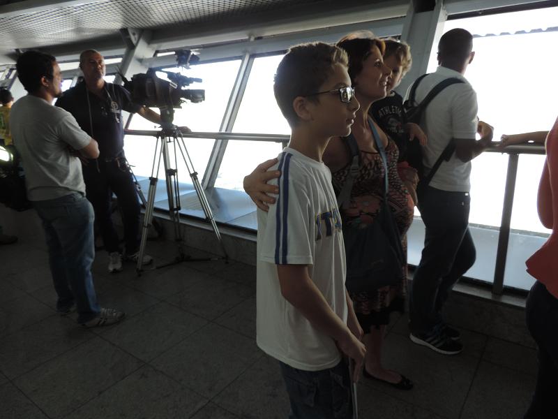 Italianos também estiveram aguardando a chegada da Itália em Recife | Foto: Pedro Melo