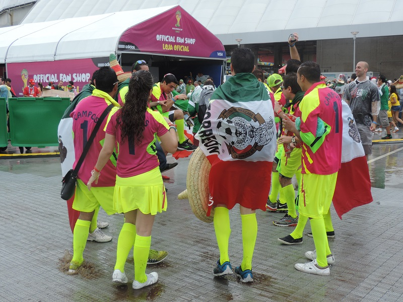 Mexicanos fizeram a festa antes da partida | Foto: Pedro Melo