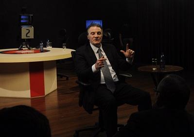 Candidato ao governo do Paraná Ogier Buchi abre sabatinas da Record News Paraná