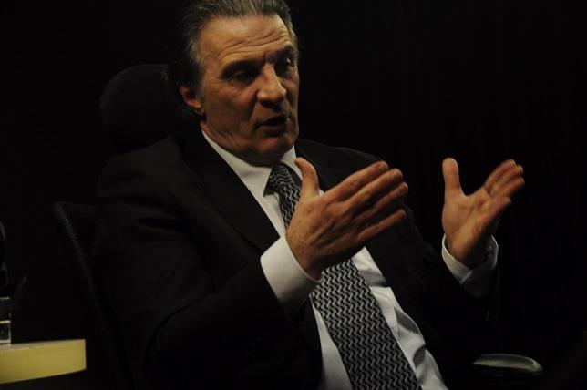 Candidato ao governo do Estado abre sabatinas na Record News Paraná
