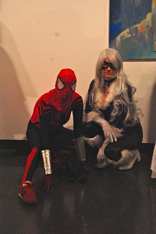 Cosplayers de Homem-Aranha e Gata Negra | Foto: Carolina Mello