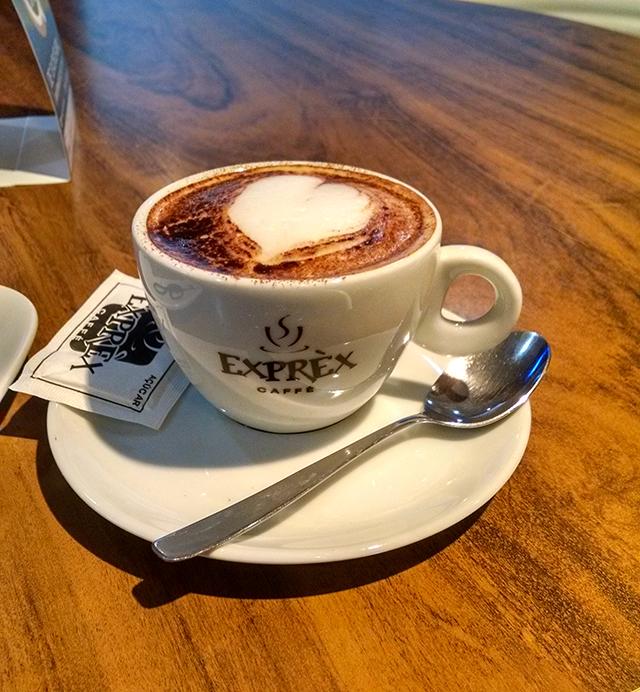 Capuccino Italiano com canela - Exprèx Caffé
