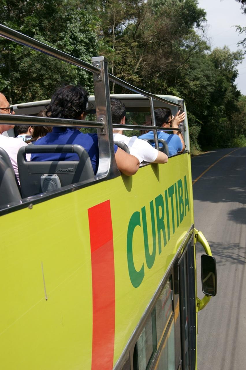 Ônibus com os turistas