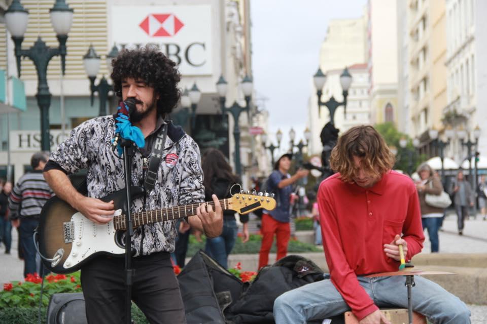 Dupla faz cover de rock nacional