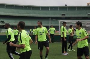 Jogador Lúcio Flávio, à direita, já planeja seu futuro pós-aposentadoria | Foto: Thais Camargo