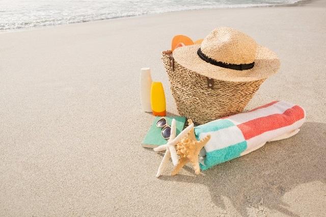 3)Utilizar chapéu: o principal local acometido pelo câncer de pele é a face, então é importante ter um cuidado extra com a região.