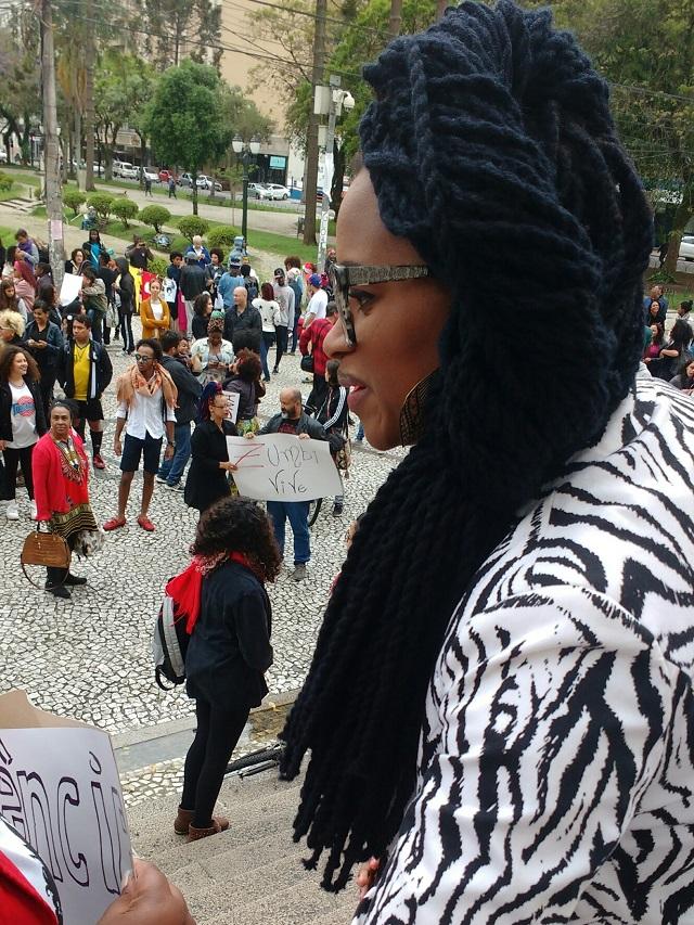 Marcha - 500 pessoas participam da primeira Marcha do Orgulho Crespo em Curitiba (1)