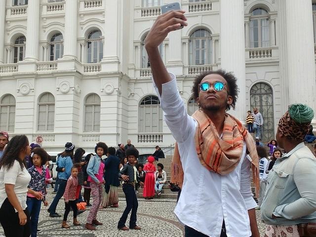Marcha - Primeira Marcha do Orgulho Crespo em Curitiba é mobilizada por redes sociais