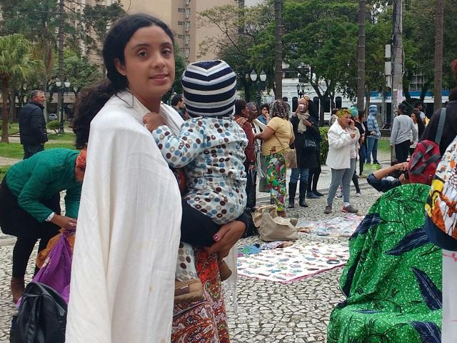 Marcha - Protesto contra preconceito negro concentra 500 pessoas em Curitiba